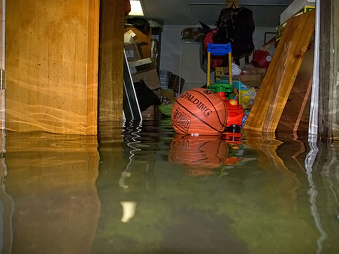 basement flooding clean up in warren sterling heights livonia rh southeastmichiganrestoration com
